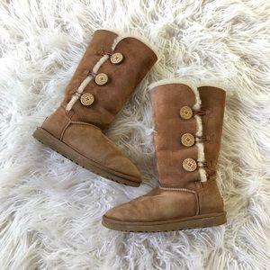 UGG Sz 8 Chestnut Bailey Triplet Button Tall Boots